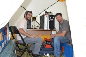 [Foto 2. Onderzoekers Justin Rittgers (rechts) en Thomas Planes.]